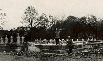 Ruiny pałacu Komorowskich w Stanach ? fot.  ze zbiorów Staatsbibliothek zu Berlin ? PK wyk. ok. r. 1915/1916